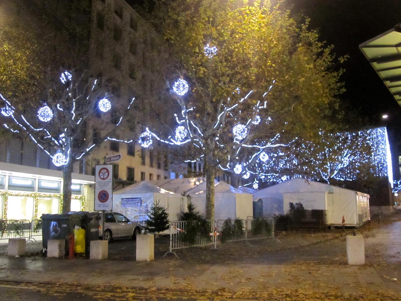 #3A5991 Geneva's Christmas Lights Schwingeninswitzerland 5545 decorations noel geneve 1440x1080 px @ aertt.com