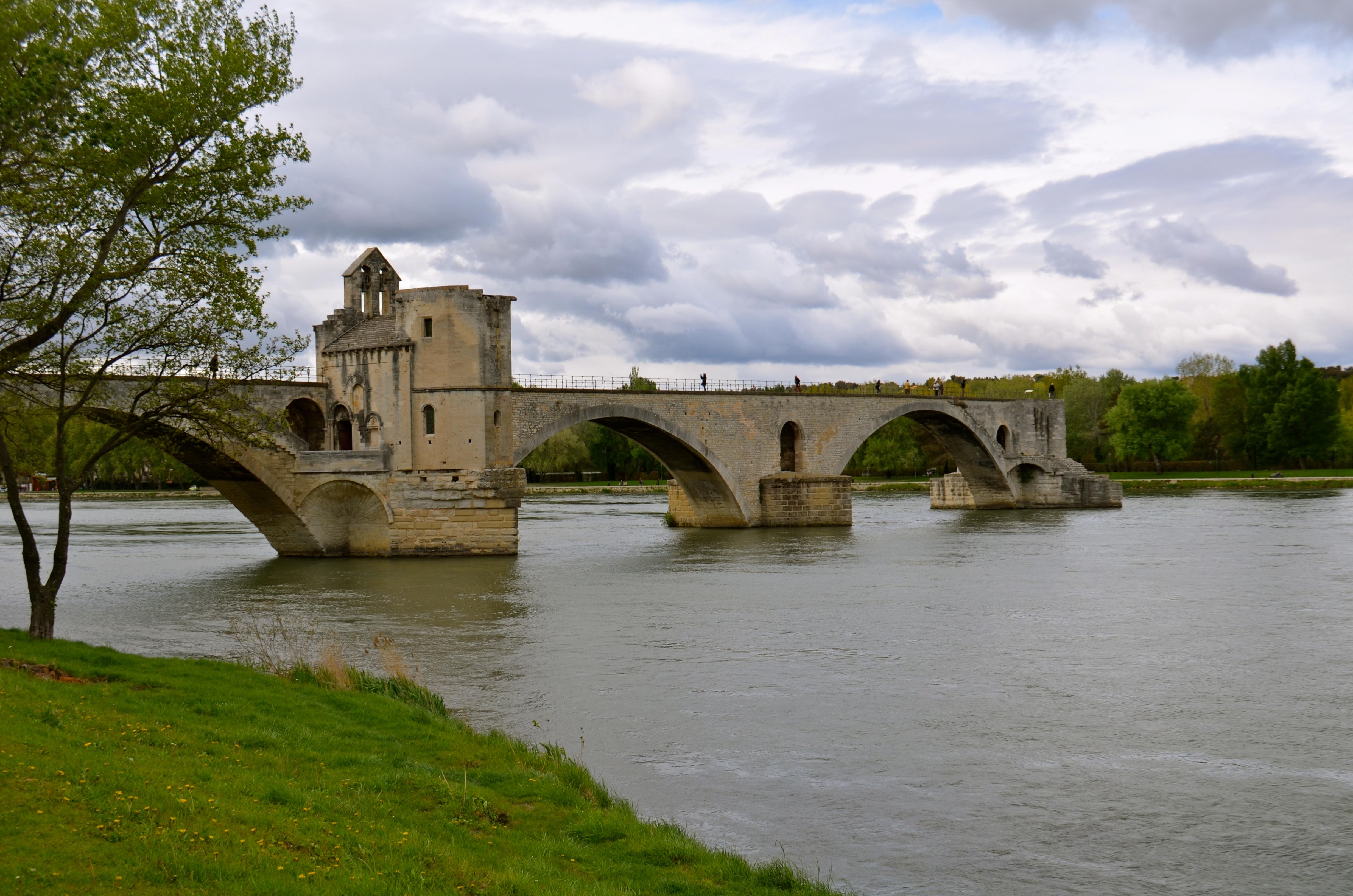 Nursery rhyme time le pont d avignon for Ch d avignon