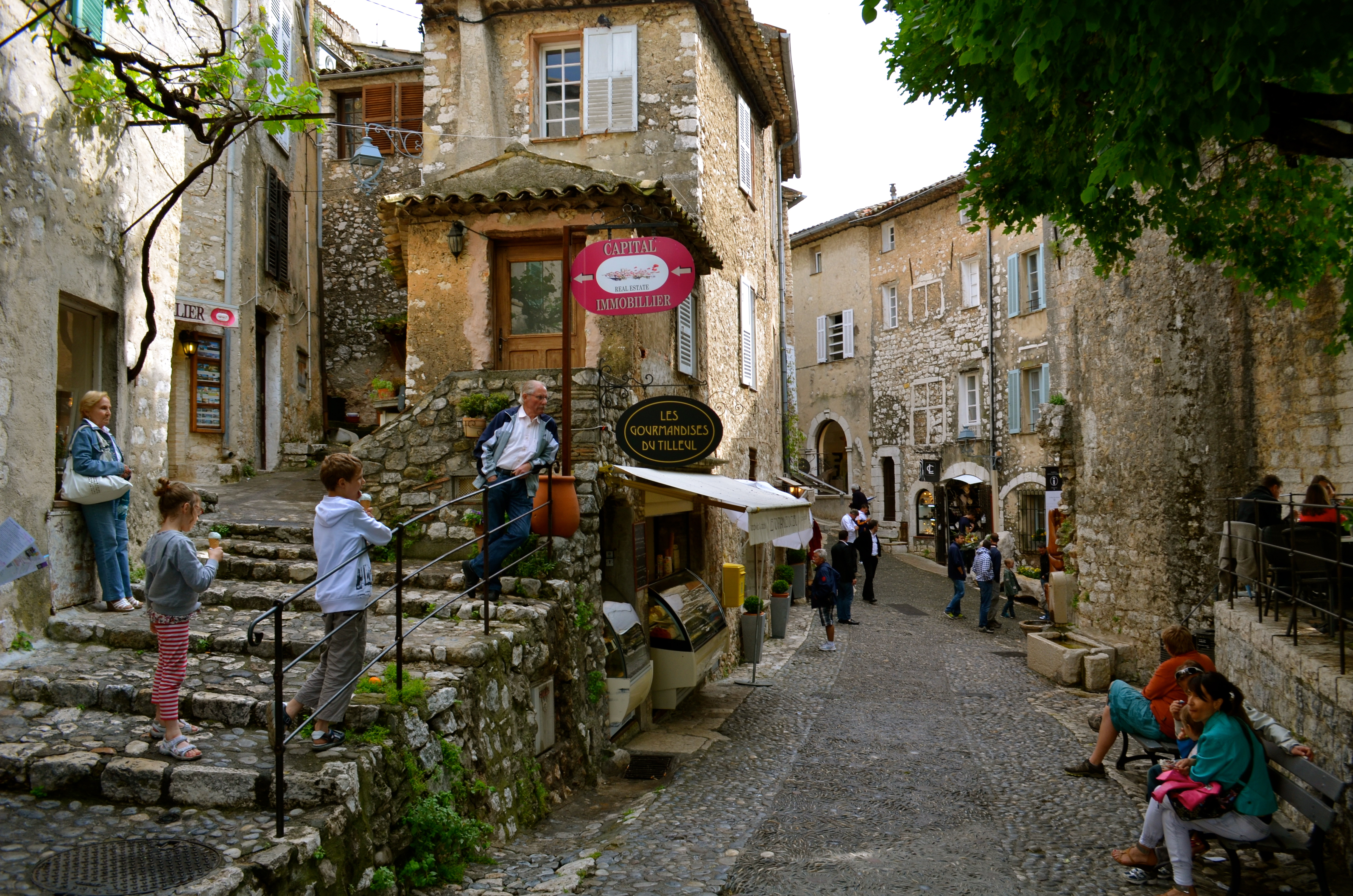 Everyone Loves St Paul De Vence Schwingeninswitzerland